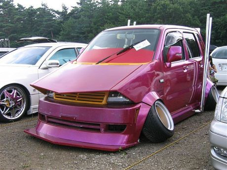 Bosozoku style Daihatsu Move with massive negative camber