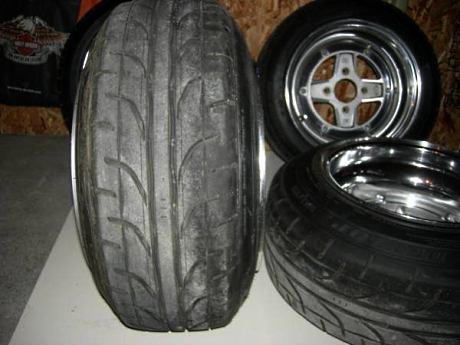 Dunlop 185/55 R14 tires stretched on 8J SSR Mk II<