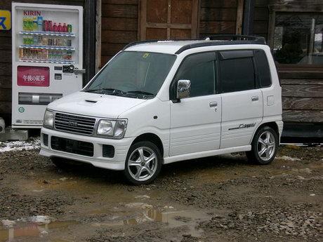 First generation Daihatsu Move Custom