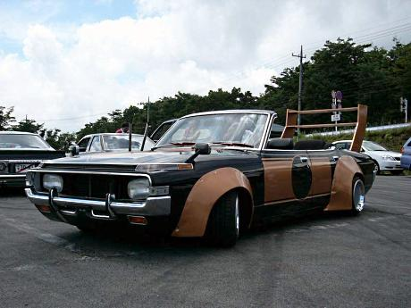 Rare bosozoku car: Toyota Crown MS65 sedan cabrio