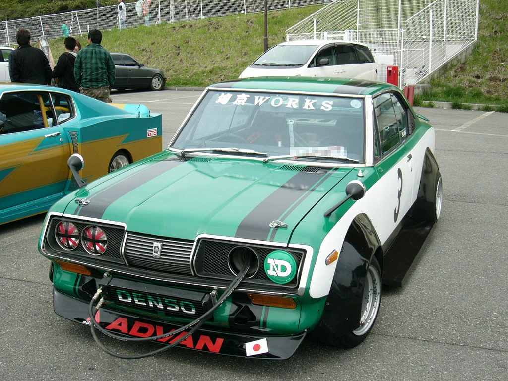 [Image: rare-bosozoku-style-car-toyota-corona-t70.jpg]