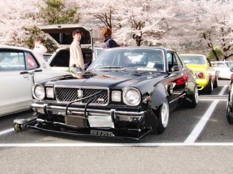 Cherry blossomed bosozoku styled Toyota Mark II RX30