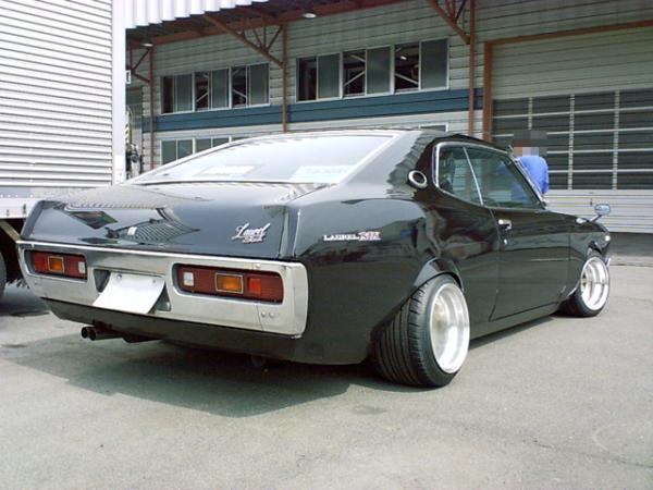 Nissan Laurel SGX on deep dish SSR Longchamps
