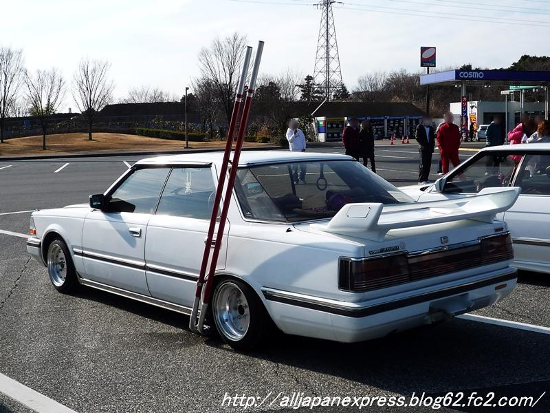 Nissan Gloria Brougham Y30 with side exhaust