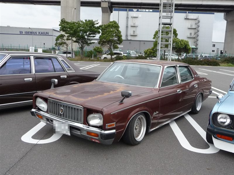 Hot or not? Nissan Cedric 330 Clown Face