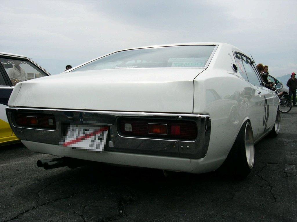 Nissan Laurel C130 #4