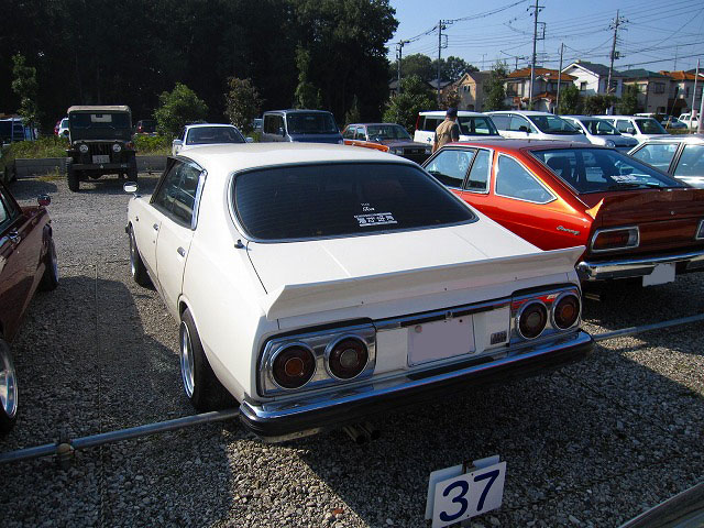 Laurel C230 with Skyline C210 tail lights