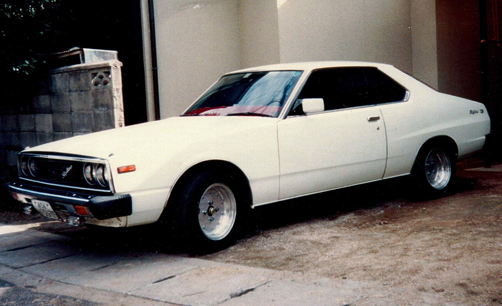 Nissan Skyline C210 vintage photo