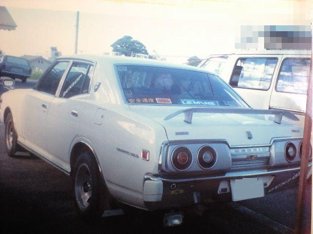Nissan Cedric 330 with Yonmeri Skyline C110 tail lights